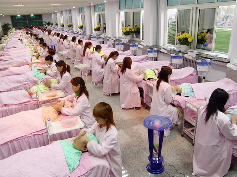 山东蓝翔高级技工学校美容美发学院皮肤护理实习厅