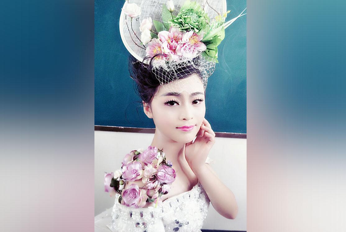 山东蓝翔美容亚虎yahu娱乐学院亚虎yahu娱乐造型实习厅展示